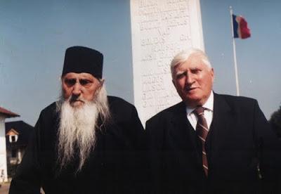 Ion Gavrilă Ogoranu împreună cu Nicolae Ciolacu (călugăr Nectarie), la M-rea Sâmbăta; sursa: http://raluxbujor.blogspot.ro