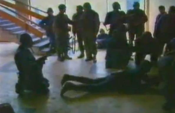 Teroristi capturati la Televiziunea Romania (sursa: TVR)