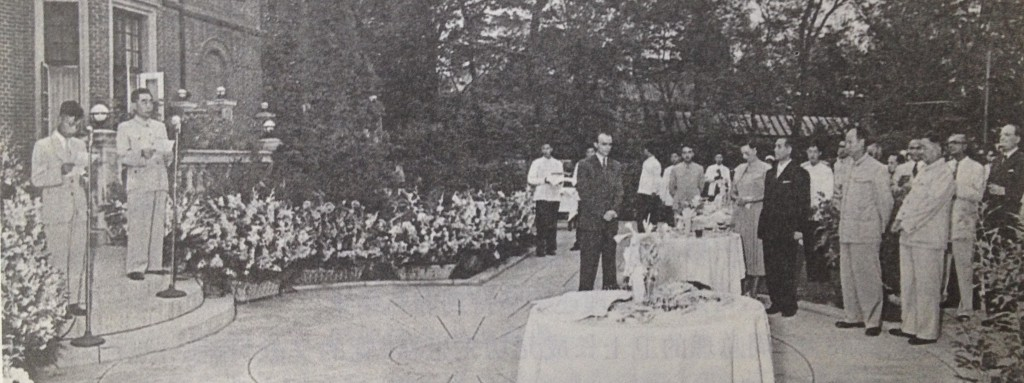 Zhou-Enlai - receptie la Ambasada-Romaniei din RP Chineza. Sursa: http://dantomozei.ro