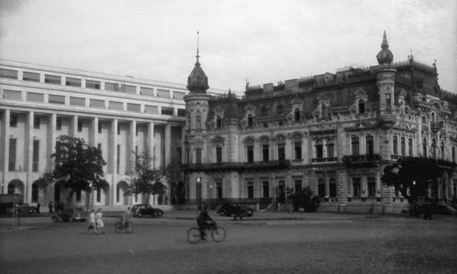 Palatul Sturdza ṣi clădirea Presedintiei Consiliului de Ministri, 1944-46; http://bonaparte-si-domeniilor.blogspot.ro/