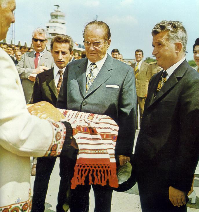 Tito si Ceausescu - sursa: http://espressostalinist.com/