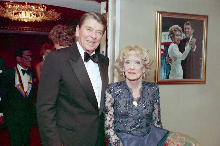 Cu preşedintele Ronald Reagan