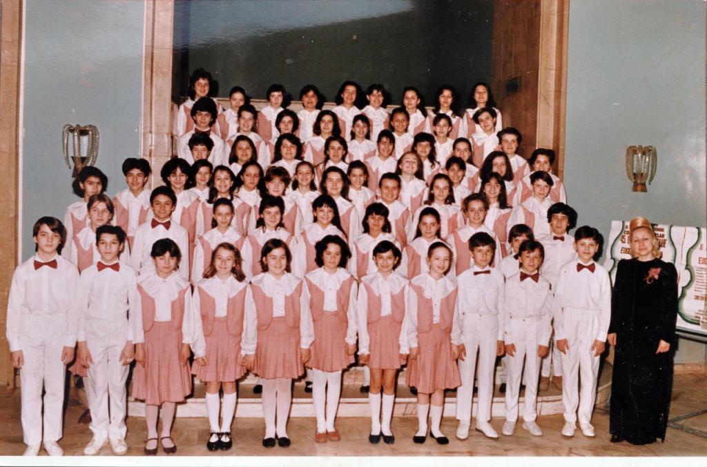 Corul de Copii Radio în 1991, alături de regretata Eugenia Văcărescu Necula