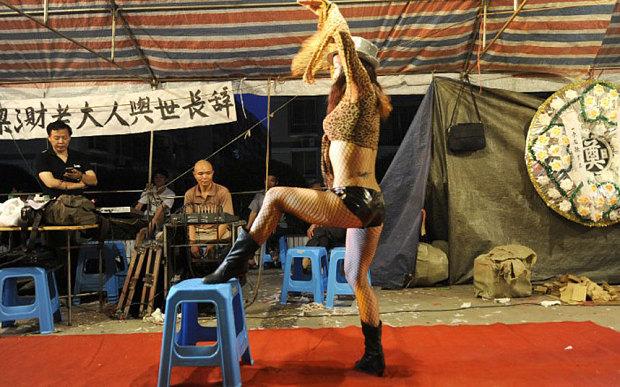 stripper_3279224b