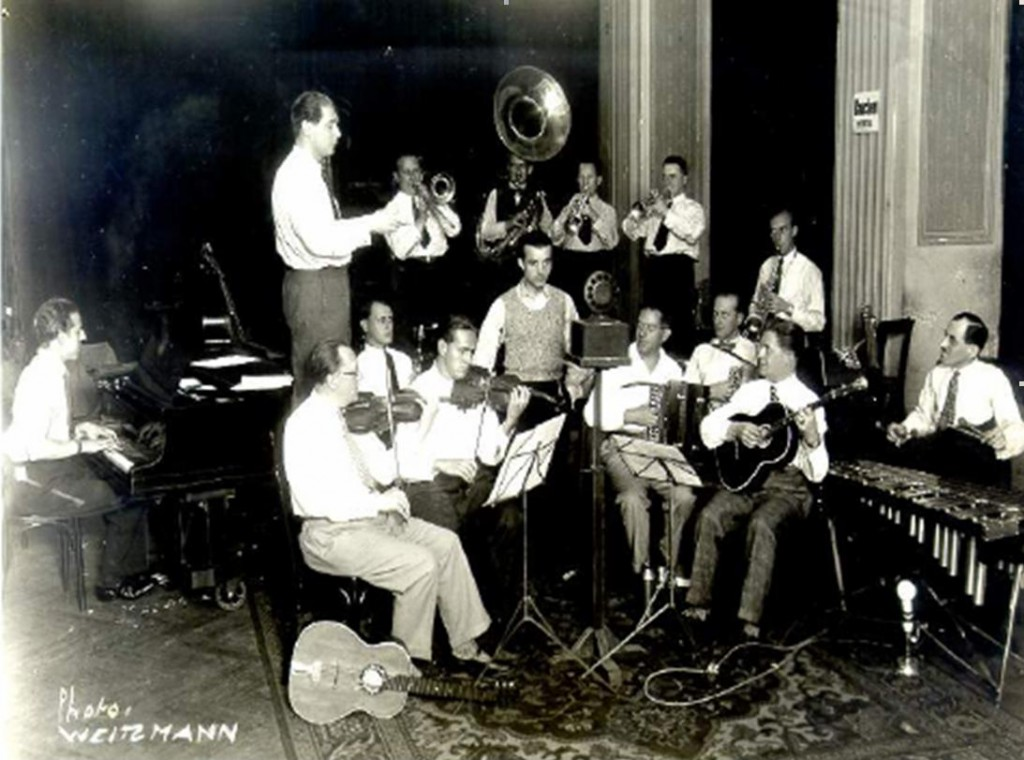 Cristian Vasile acompaniat de Orchestra Dajos Bela