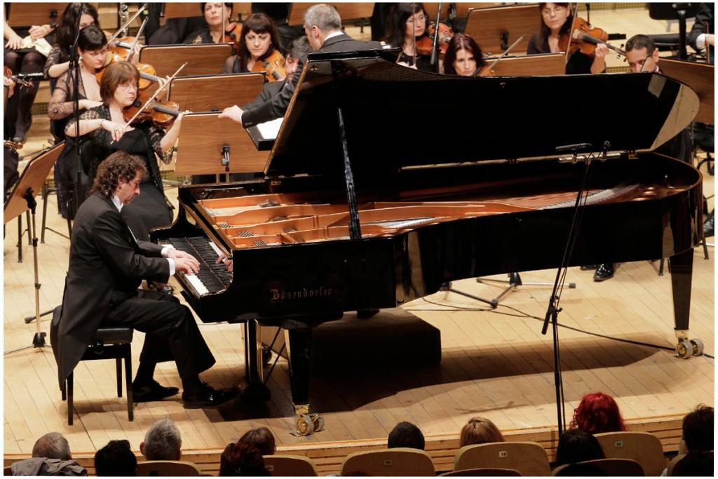 Horia Mihail si Orchestra Nationala Radio - foto: Alexandru Dolea SRR