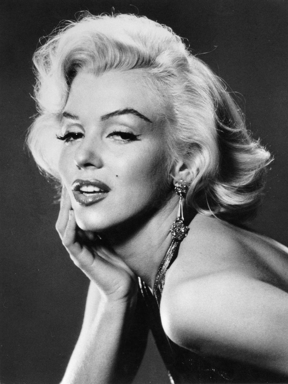"Citaten Marilyn Monroe Hd : Femeia din spatele starului marilyn monroe ""o fiinţă"
