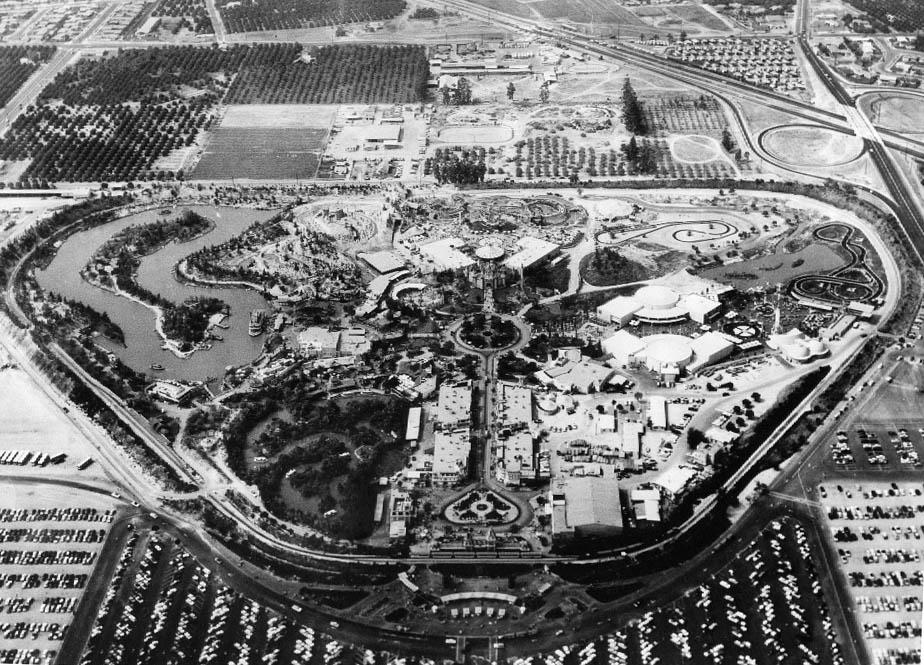 Disneyland - Vedere aeriană din 1956