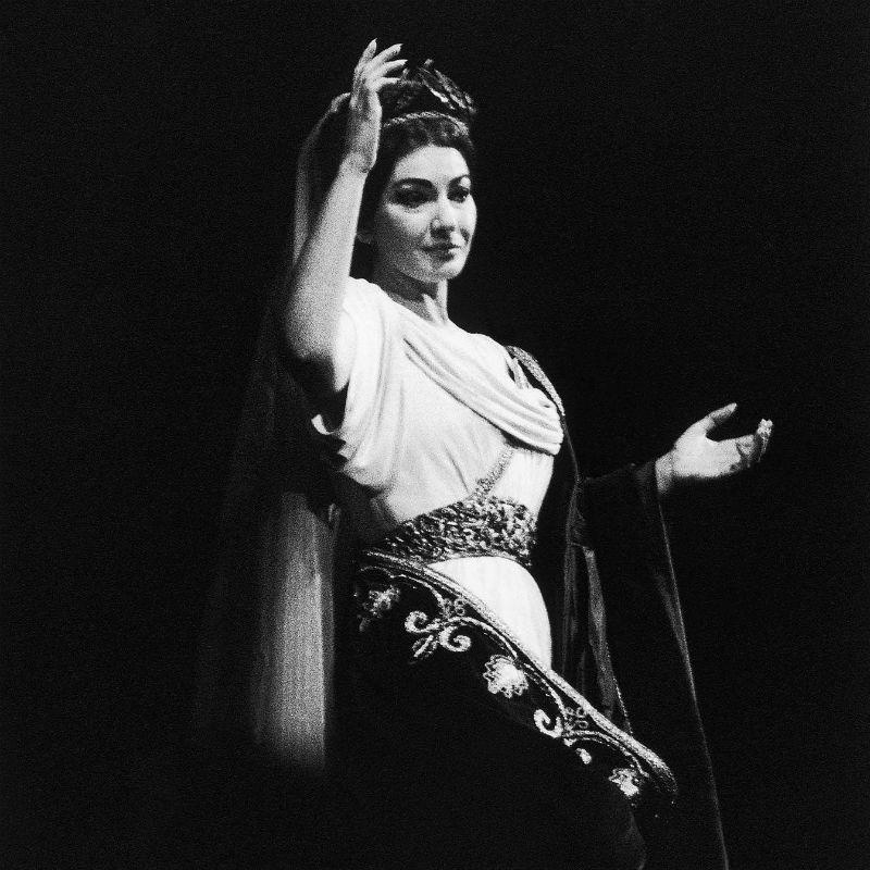 1890164-maria-callas-joue-norma-de-bellini
