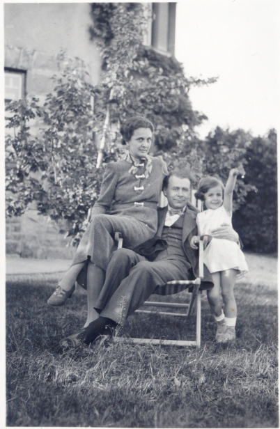 1934-pc3b6tzleinsdorf-scena-tandra-de-familie-cornelia-blaga-lucian-blaga-ana-dorica-dorli-blaga