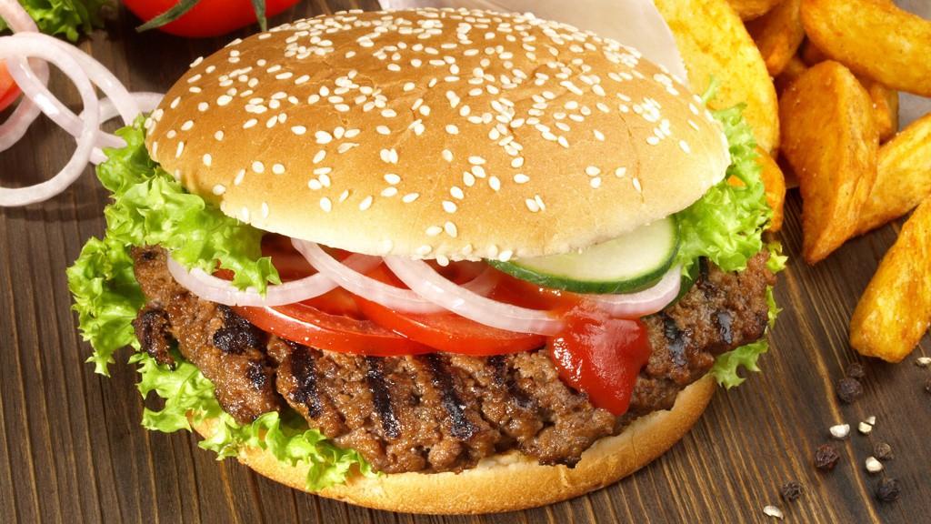 Amerikanische-Hamburger-1024x576-584501c0eb0ca221