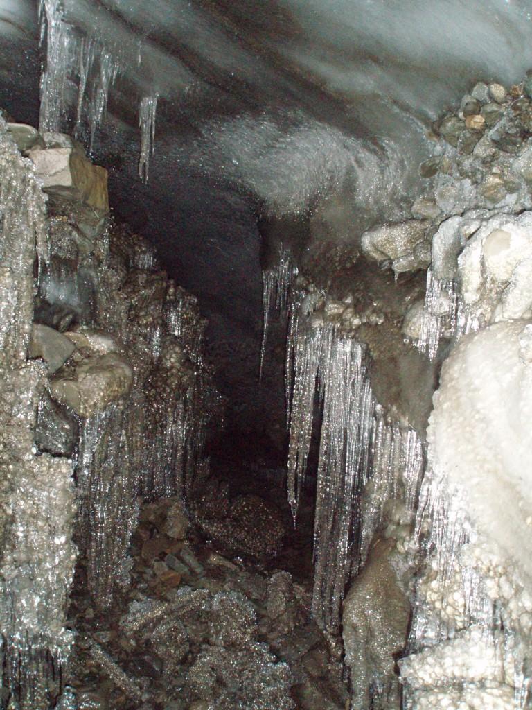 interior pestera in morenafrost