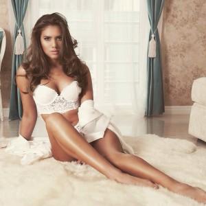 Teodora Dan - Miss Tourism Universe 2015 (3)