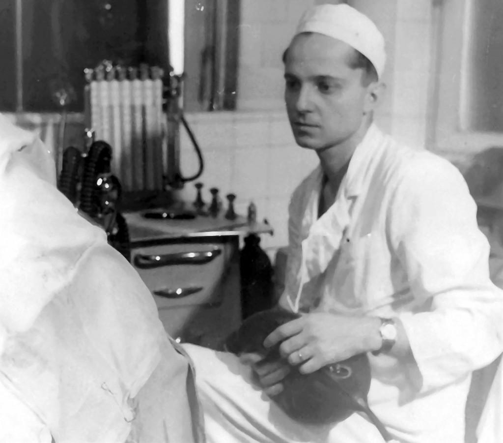 Profesor universitar doctor George Litarczek, considerat parintele anesteziei din Romania. (Arhiva personala)