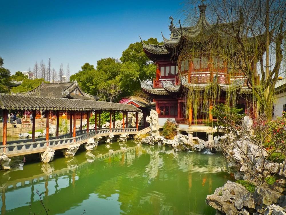 6493060-1000-1455180975-stroll-through-shanghais-yuyuan-gardens