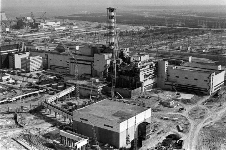 Fotografie aeriana a dezastrului de la Cernobil, aprilie 1986. / AFP PHOTO / VLADIMIR REPIK