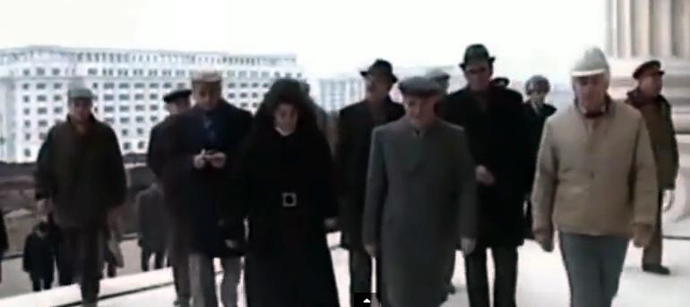 Vizita lui Ceausescu pe santierul Casei Poporului