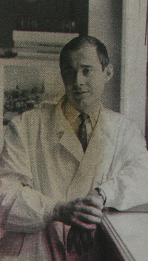 Doctor C.D. Zeletin, la Laboratorul de biofizică, 1968