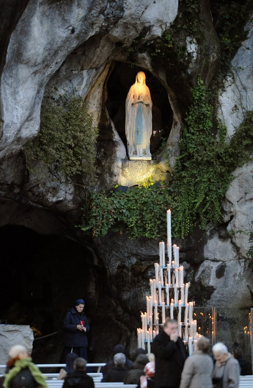 Lourdes AFP PHOTO REMY GABALDA /