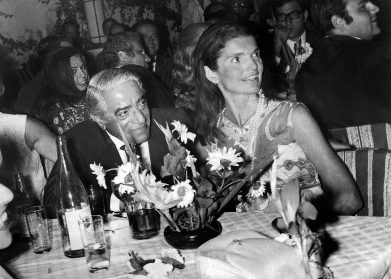 (4 august 1969) Jackie alaturi de Onassis AFP PHOTO / AFP PHOTO / STRINGER