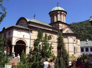 Manastirea_Cozia1