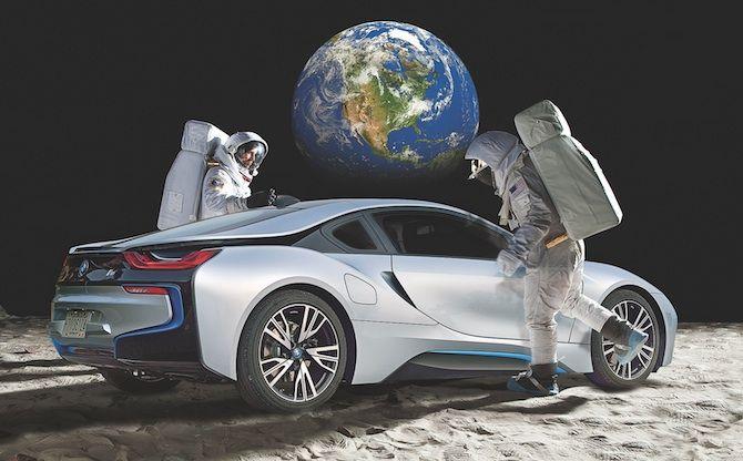 bmw masina pe luna