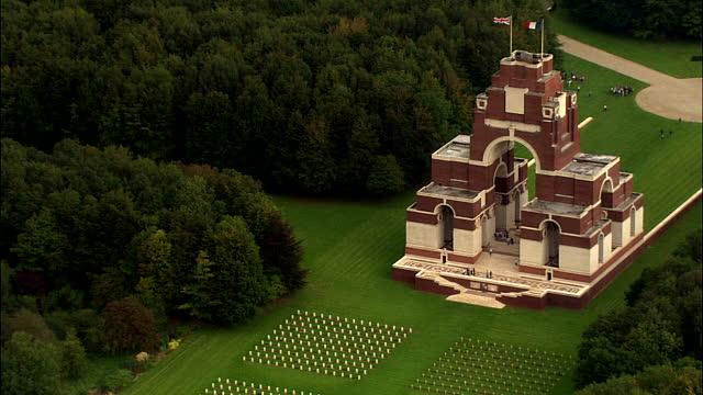 Memorialul franco-britanic de la Thiepval
