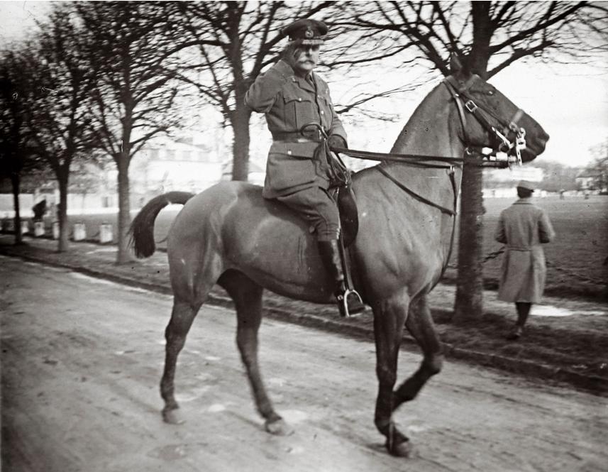 Feldmareşalul Douglas Haig (Colecţie de fotografii descoperită în 2014, realizate de un soldat necunoscut)
