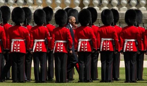 Barack Obama in vizita la Buckingham Palace (24 mai 2011)   AFP PHOTO / LEON NEAL / AFP PHOTO / LEON NEAL