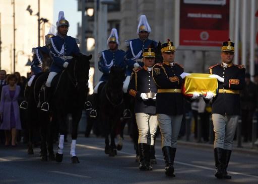 AFP PHOTO / DANIEL MIHAILESCU