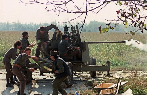 Voluntari sarbi in Borovo Selo - 5 octombrie 1991/ AFP PHOTO / MARJA ILLIC