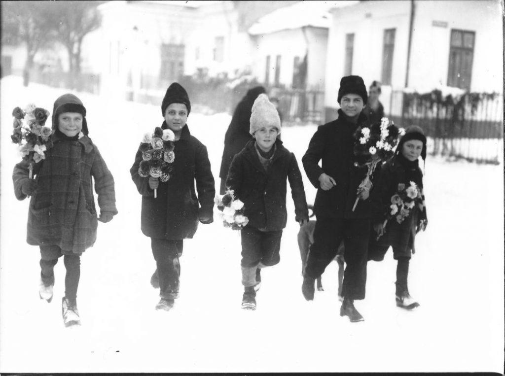 colindatori-sorcova-craciun-iarna