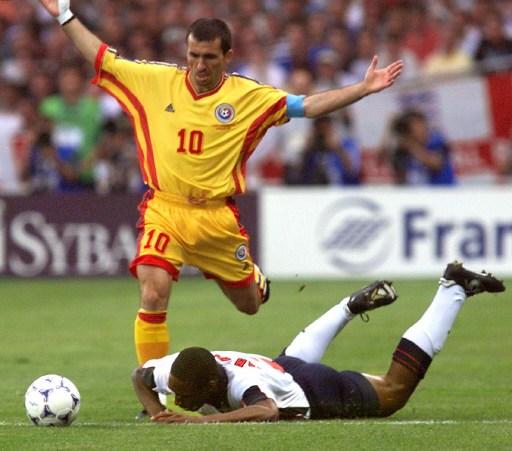 1998/ AFP PHOTO / JEAN-LOUP GAUTREAU