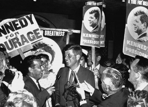 John F. Kennedy, in campanie electorala - 14 iulie 1960. / AFP PHOTO / STRINGER
