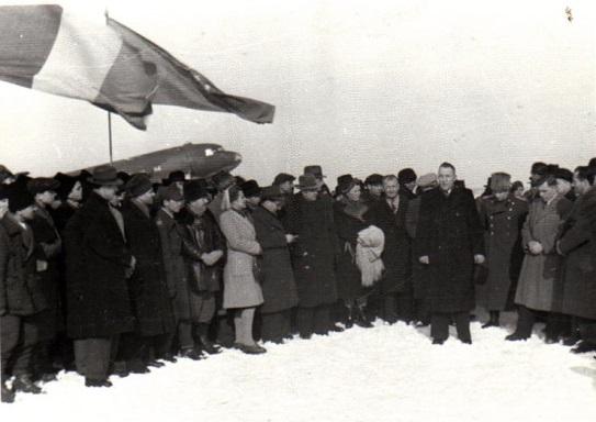 Discurs al lui Kuznetov, sef al delegatiei sindicale sovietice; Fototeca online a comunismului românesc, cota 49/1945