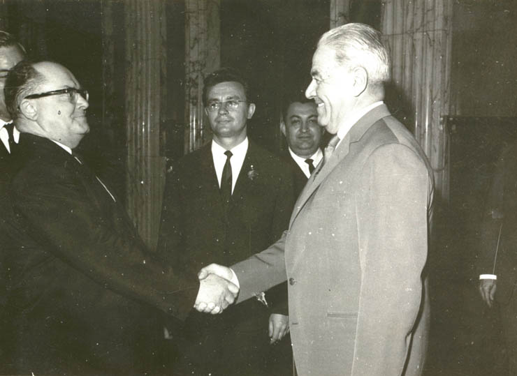 """Ion Gheorghe Maurer a primit delegaţia guvernamentală a U.R.S.S. condusă de L.F. Iliciov. (8 mai 1967) - sursa: – """"Fototeca online a comunismului românesc"""", cota 211/1967"""