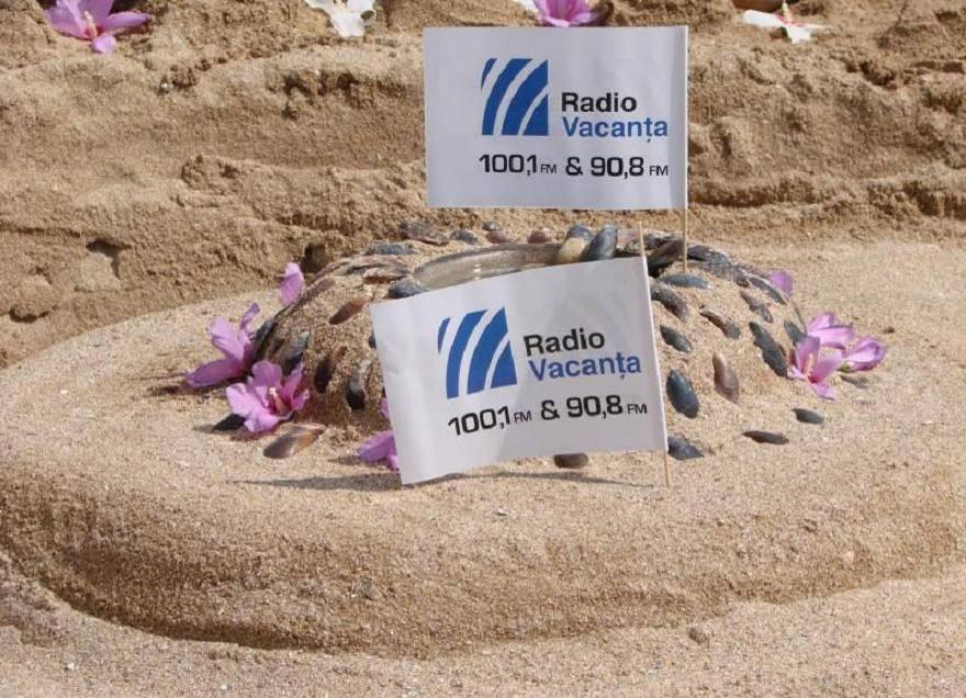 Radio Vacanta nisip flori