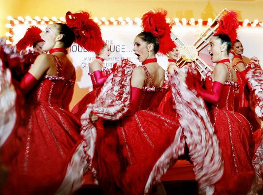 French dancers from Paris's popular cabaret 'Moulin Rouge' perform in Mumbai, 30 November 2005.  Nearly 20 dancers came to the Indian capital to promote the cultural and historical significance of Moulin Rouge. The dancers will perform at special events in Mumbai and New Delhi, organised by the Alliance Francaise de Bombay.              AFP PHOTO/Sebastian D'SOUZA / AFP PHOTO / SEBASTIAN D'SOUZA