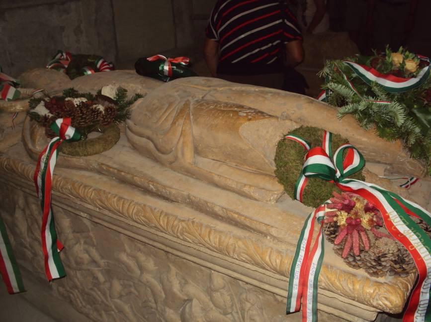 Mormântul lui Iancu de Hunedoara din Catedrala romano-catolică