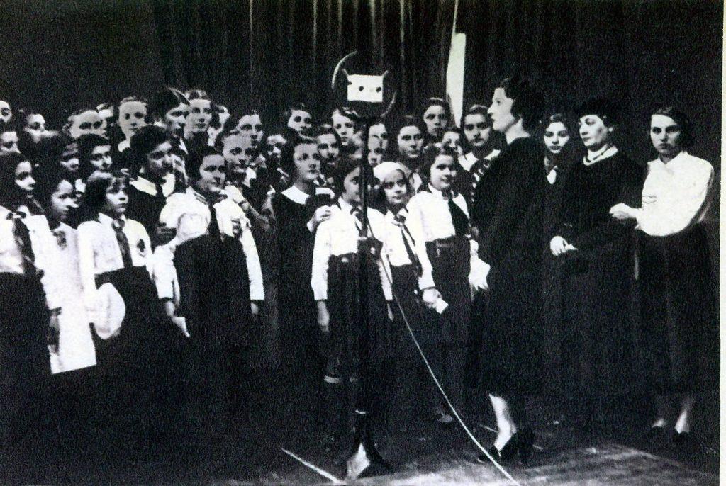 """Copii – străjeri la """"Ora copiilor"""" – 1937"""