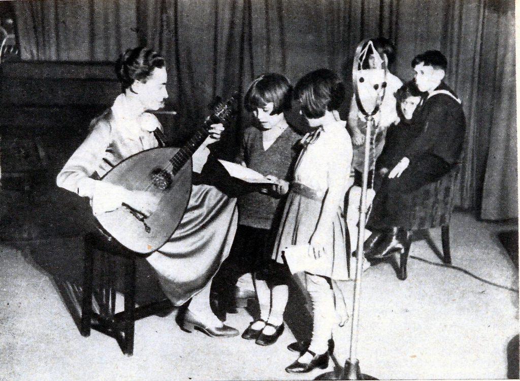 Copii la microfon - 1935