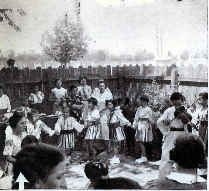 Copii la microfon - 1938