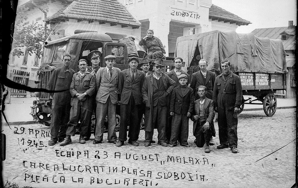 Muncitorii de la Uzinele Malaxa; sursa: bucurestiivechisinoi.ro