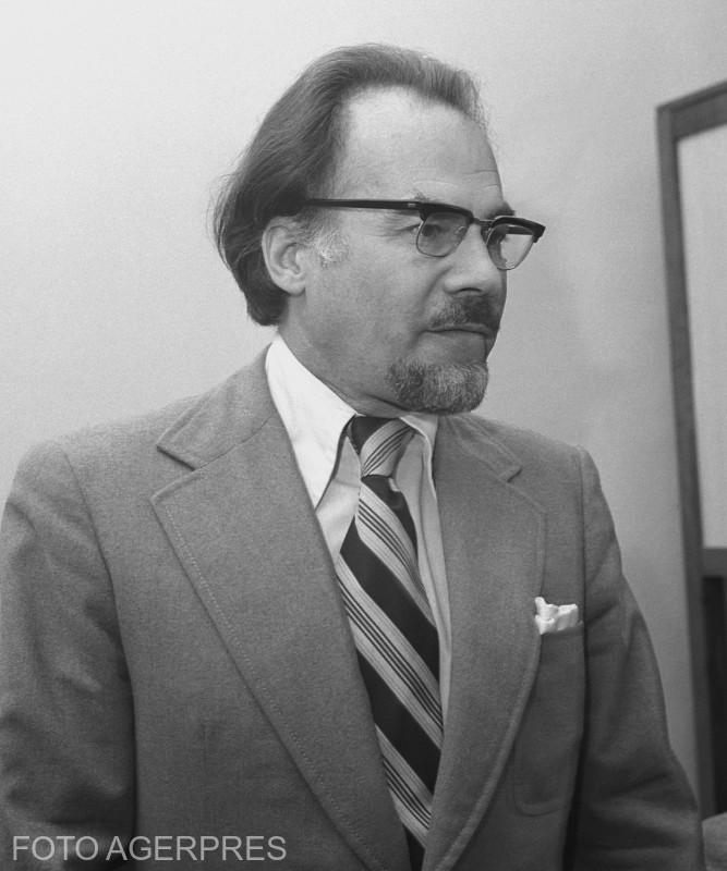 Academician Dan Berindei, istoric, doctor in stiinte istorice. 2 iunie 1978