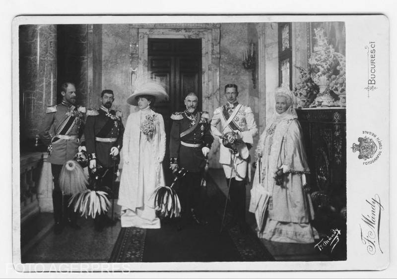 1909 - Bucuresti - Principele Ferdinand, Principele Hohenzollern, Principesa Maria, Regele Carol I, Kromprintz (mostenitorul Germaniei), Regina Elisabeta