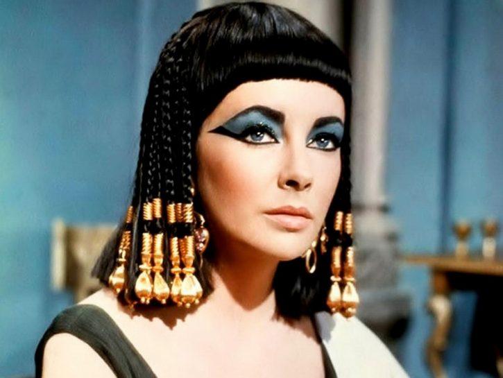 elizabeth-taylor-cleopatra-725x545