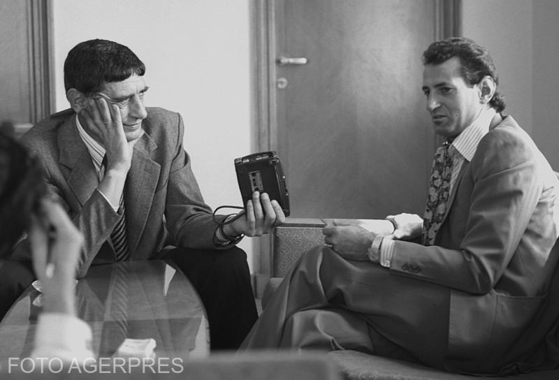 Naistul Gheorghe Zamfir cu ziaristul Adrian Rizea. 27 septembrie 1978