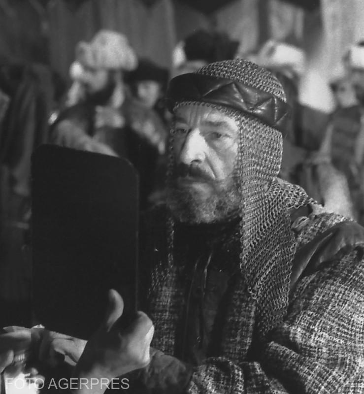 Imagine din timpul filmarilor la 'Mircea cel Mare', scenariul Titus Popovici si regia Sergiu Nicolaescu. 26.11.1988