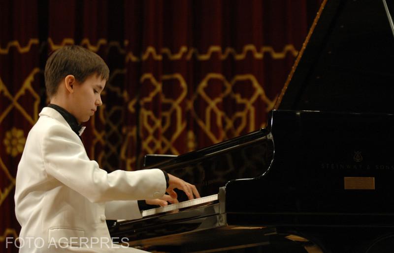"""Concertul """"Sperante. Certitudini"""" sustinut de pianistul Matei Bucur Mihaescu la Ateneul Roman."""