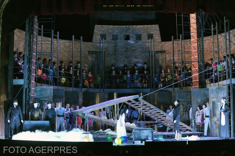 Spectacolul 'Lucia di Lammermoor' de Gaetano Donizetti, in regia maestrului Andrei Serban, la Opera Nationala Iasi. (2016)